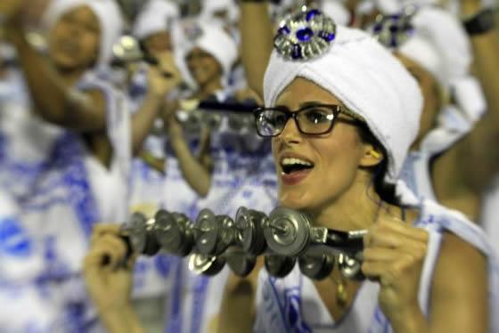Parada do vencedor pulsa com energia e entusiasmo como a Champions centro do palco.