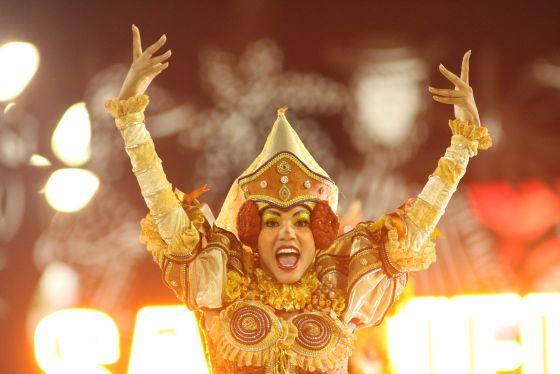 Street Parties, Samba Parades and Flashy Carnival Balls - Enjoy all That and More at Rio Carnival 2013