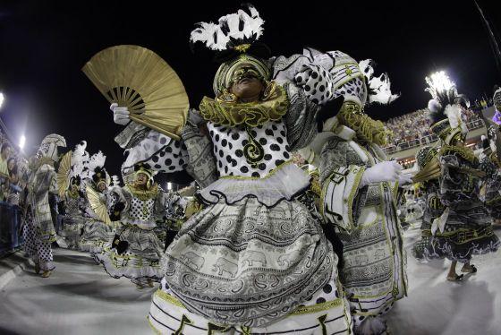 L'étiquette de parade pour le Carnaval de Rio - Quand devez-vous aller au Sambadrome, et que devez-vous y apporter ?