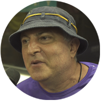 Señor disfruta del Carnaval en Rio con Bookers