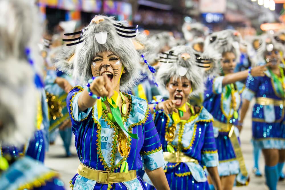 Disfraces y Bailarinas en el Carnaval de Rio