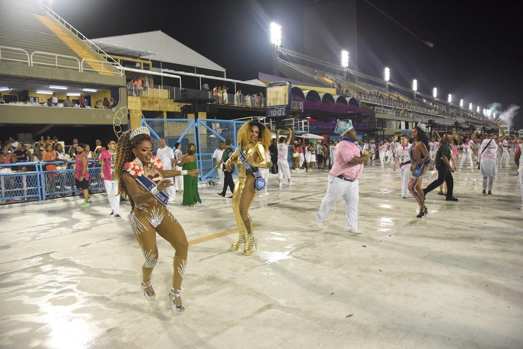 Ensaio técnico da de escola de samba no sambódromo do Rio