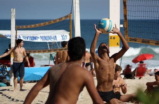 Voleyball in Copacabana Rio de Janerio