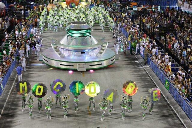 Mocidade samba school durign Rio Carnival parade