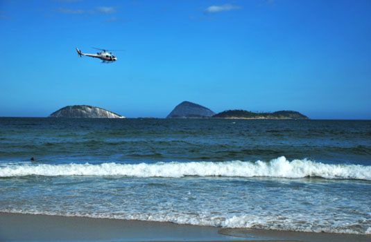 Helicopter tour by the beach