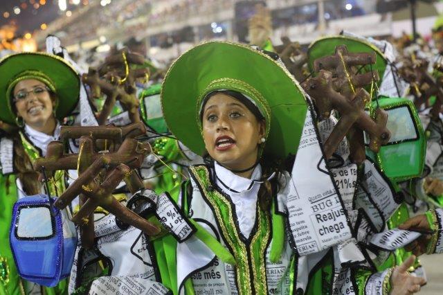 Passistas in the Rio carnival parade
