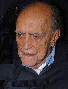 Oscar Niemeyer, the famous Brazilian architect specializing in international modern architecture